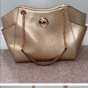 Michael Kors pale gold leather purse ✨👜